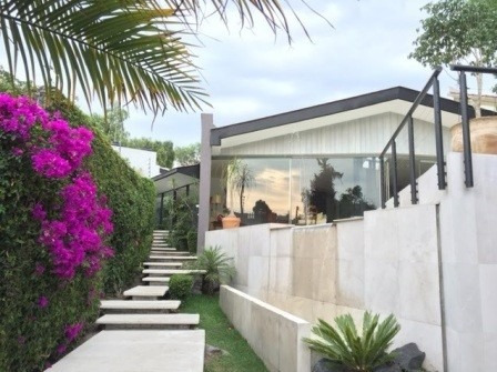 Excelente Y Comoda Casa Rodeada De Jardin