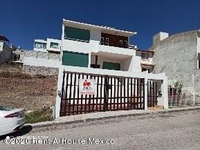Casa En Venta En Milenio 3era Seccion, Queretaro, Rah-mx-20-1530