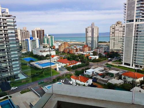 Apartamento En Art Tower, 1 Dormitorio, Hermosa Vista- Ref: 343