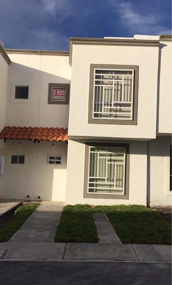 Estrena Casa Nueva En Renta!!!