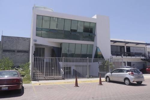 Edificio En Renta En Pueblo Nuevo Corregidora, T. 213 M2, C.363 M2.
