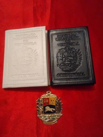 Porta Credencial Blanca Y Negra