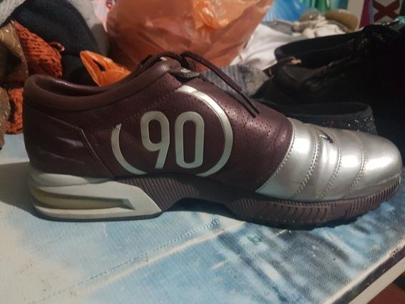 Tenis Nike T90