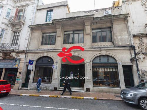 Edificio En Venta En Ciudad Vieja Ref. 6701
