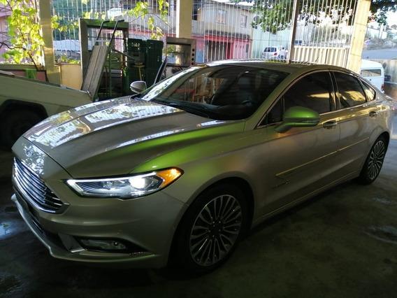 Ford Fusion Titanium Hybrid 2.0