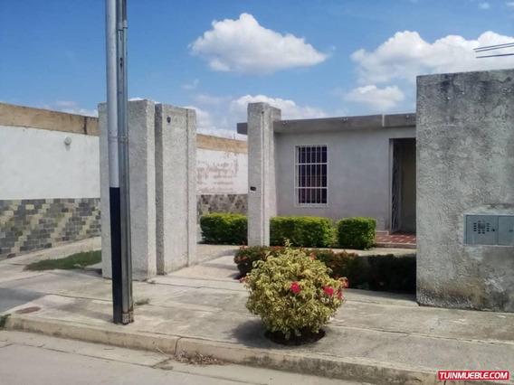 Casas En Venta En Urb. Villa Alianza 1, Ciudad Alianza