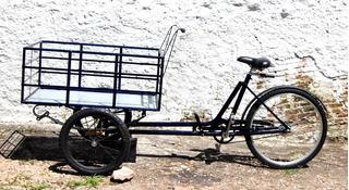 Bicicleta Triciclo Carga Pesada Aberta Food Bike C/ Feixe De Mola Preta