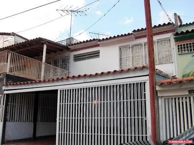 Fvcl 18-319 Casas En Venta Los Teques Calle Paez