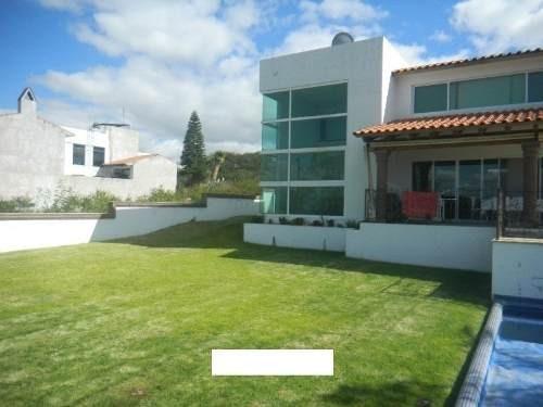 ¡¡ Hermosa Casa Con Alberca Propia En Venta Ubicada En Vista Real !!