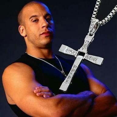 Colar Vin Diesel