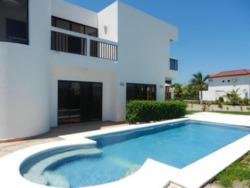Casa De Playa En Tela Para Fines De Semana
