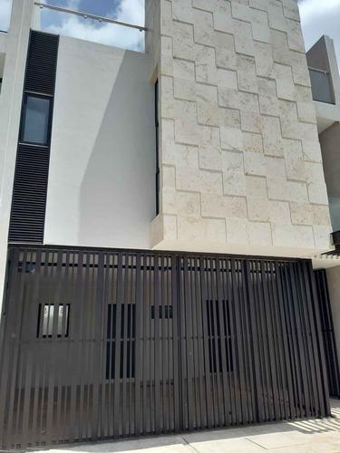 Casas Residenciales En Venta Ubicadas En Exclusiva Zona De Montebello.
