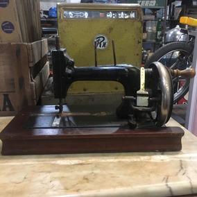 Máquina De Costura Manual Mesa Antiga Madeira Ñ Emblema 433