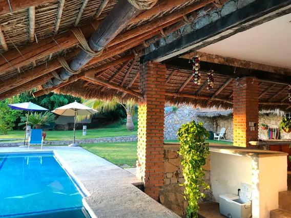 Hermosa Casa Con Alberca En Tequesquitengo