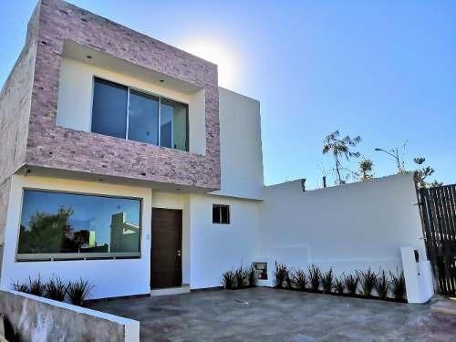 Vendo Casa En Altozano Morelia Coto Priv. 3 Rec. Y Estudio