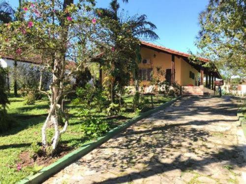 Chácara Em Itanhaém 5 Dormitórios Bem Localizado. 5721e