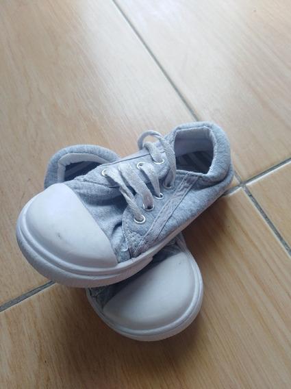 Zapatillas Gris Jaspeadas Con Puntera Blanca.