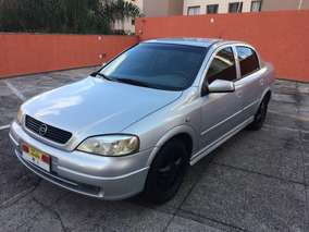 Chevrolet Astra Sedan 2.0 8v Expression 4p - Ano 2002 Prata