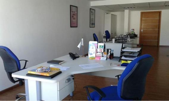 Venta Oficina De Categoría En Imperium Building Con Renta