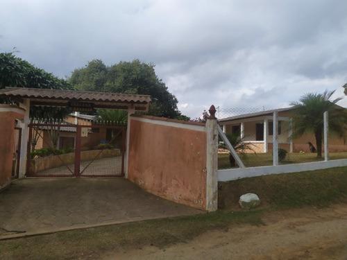 Imagem 1 de 14 de Chácara Ibiuna