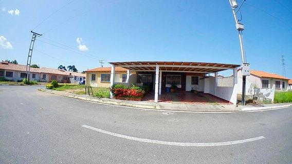 Casa En Venta Araure, Flex: 19-16835, Ng