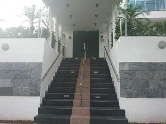 Se Alquila Local Para Oficina En Edificio Moderno En Gazcue