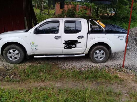 Camioneta Nissan Navara Mod 2013 4x4 Servicio Publico