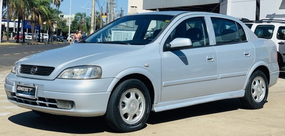 Astra Sedan 1.8 Mpfi Millenium Ii Sedan 8v Gasolina 4p Ma...