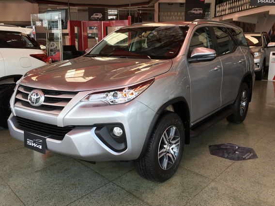 Toyota Fortuner Sw4 2.4 Diesel A/t 4x2 7 Pasajeros