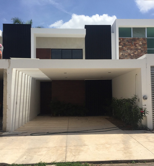 Casa De 2 Pisos En Renta ( Montecristo, Mérida Yucatán )