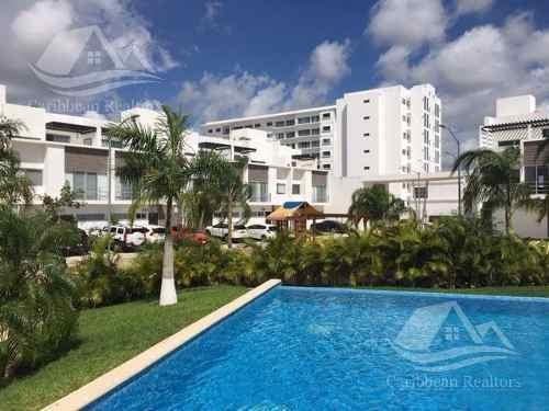Casa En Renta En Cancún /av. Huayacán/ Chelsea