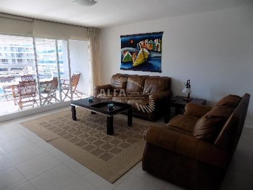 Excelente Apartamento A Metros De La Playa!!!!- Ref: 2339