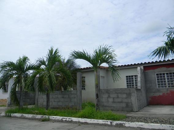 Casa En Venta Centro Acarigua 21-4757 A&y