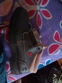 Zapatos De Seguridad Nuevos, Bata