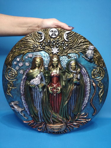 Imagem 1 de 2 de Hécate (deusa Tríplice) Mandala Em Gesso - 25cm
