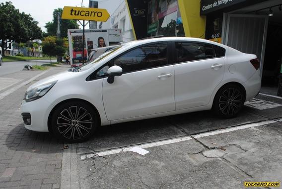 Kia Rio Sedan Full Equipo