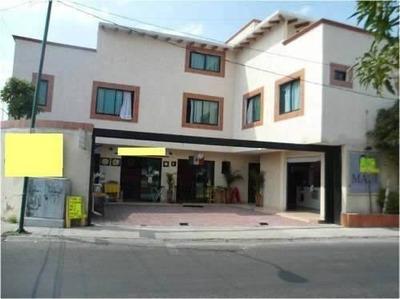 Edificio Sobre Av. Transitada En Galindas.