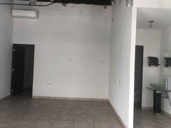 Local En Renta Plaza Valle Alto