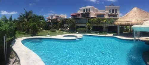 Se Renta Hermosa Residencia A Unos Metros De La Playa En Cancún C2080