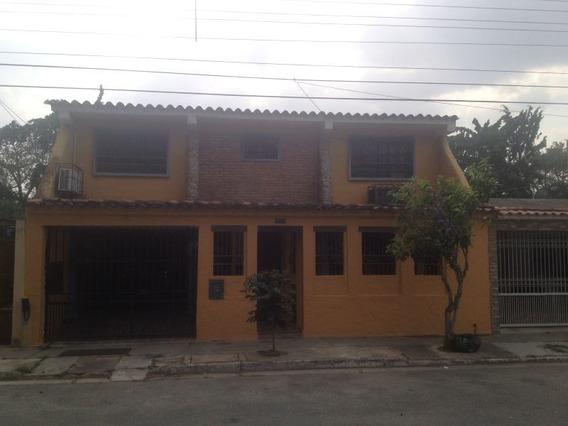 (guc-281) Casa De Dos Niveles En Las Quintas, Naguanagua