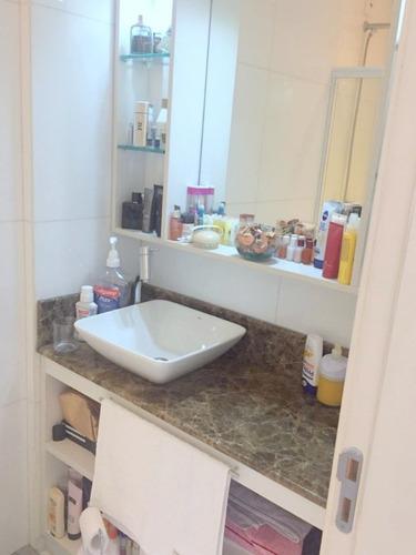 Casa Em Condomínio De 3 Dormitórios  - 4258