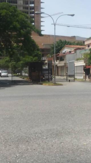 Townhouse En Urb. Los Mangos. Nath-075