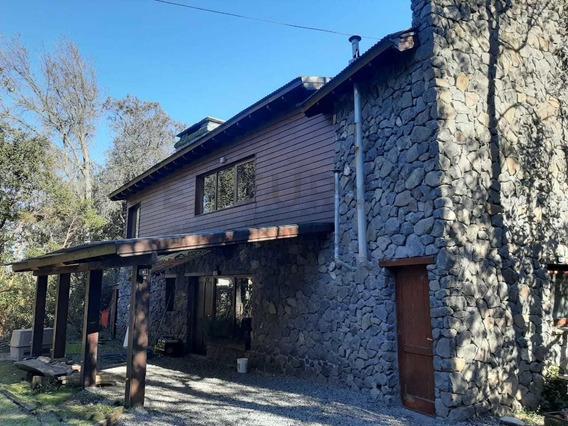 Casa De 275m2 Sobre Terreno De 1.190m2 En Villa La Angostura