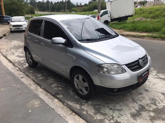 Volkswagen Fox 1.6 Mi Plus 8v Flex 4p