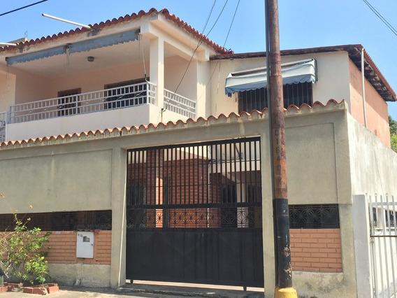 Urb. Guaraguo Alquilo Anexo 3 Hab. 2 Baños 1 P. Estac.
