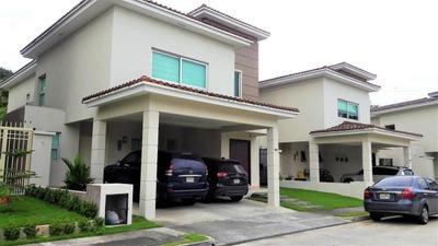 Casa De Lujo En Ph Dorado Village, Condado Del Rey 18-3405