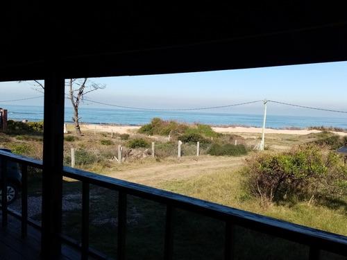 Punta Colorada Frente Al Mar