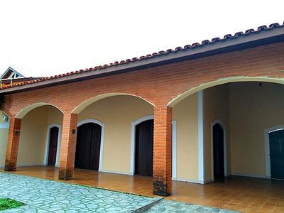 Casa Com 3 Dormitórios, 2 Salas, Convento Velho Em Peruíbe.