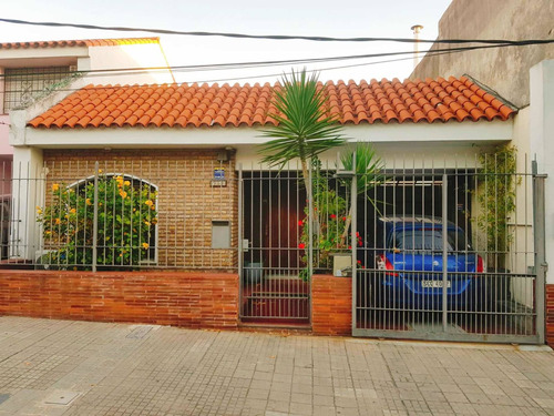 Casa En Jacinto Verá Dos Cuartos Y Dos Baños
