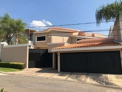 Venta Amplia Casa En Residencial Villas De Irapuato